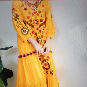 Dresses & Skirts - Embroidered ethnic style dress